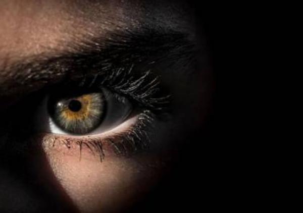علامة في العين تكشف الإصابة بسرطان فتاك