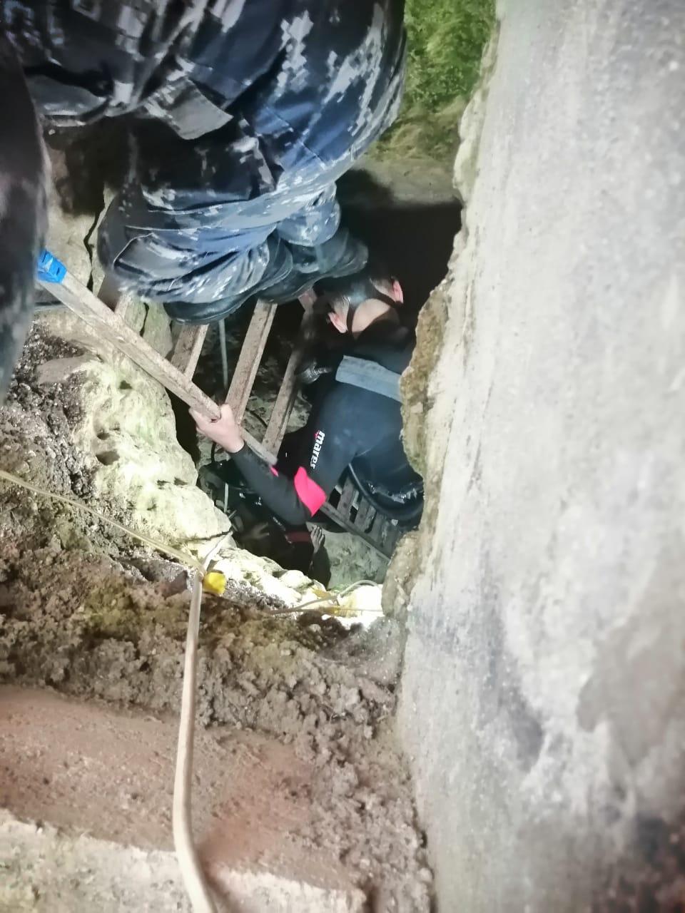 بالصور ..  الدفاع المدني يتعامل مع حادثة إنهيار مغارة على شخصين في اربد