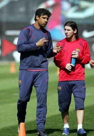 الهولندي ريكارد لا يمانع خلافة انريكي في تدريب برشلونة