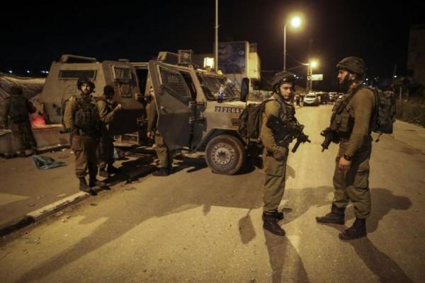 حملة اعتقالات يشنها الاحتلال في مناطق الضفة الغربية