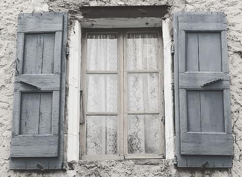 نوافذ من الزمن الجميل