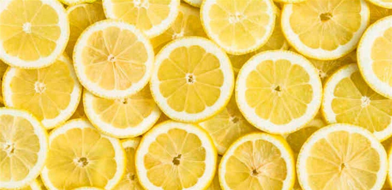 هذا ما يحصل لجسمك عندما تشم رائحة الليمون