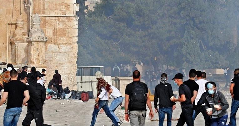 """حماس: ما يجري في المسجد الأقصى """"مجزرة حقيقية"""" ستدفع سلطات الاحتلال الصهيوني ثمنها"""