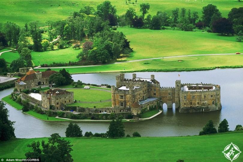 بالصور ..  جولة بين أجمل قلاع بريطانيا التاريخية