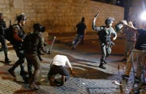 قوات الاحتلال  الاسرائيلي تعتقل خمسة مواطنين فلسطينيين