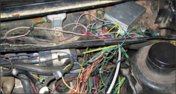 طريقة اكتشاف وجود تماس كهربائي في أحد أسلاك السيارة