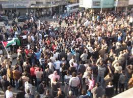مصلون يطردون مناصرين  لحزب التحرير المحظور .. من مسجد في خريبة السوق اثناء صلاة الجمعة