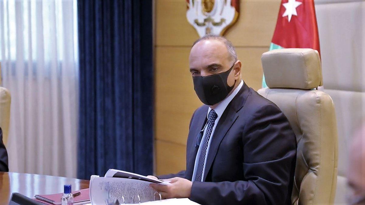 على مكتب رئيس الوزراء ..  المتعثرون يطالبون بتعديل أمر الدفاع 28 لتمكين المدينين من العودة لحضن الوطن