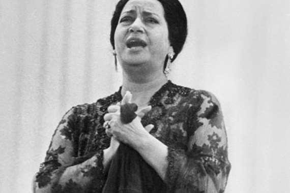 بالفيديو  ..  مقابلة نادرة لأم كلثوم في السودان ..  فماذا قالت عام 1968؟