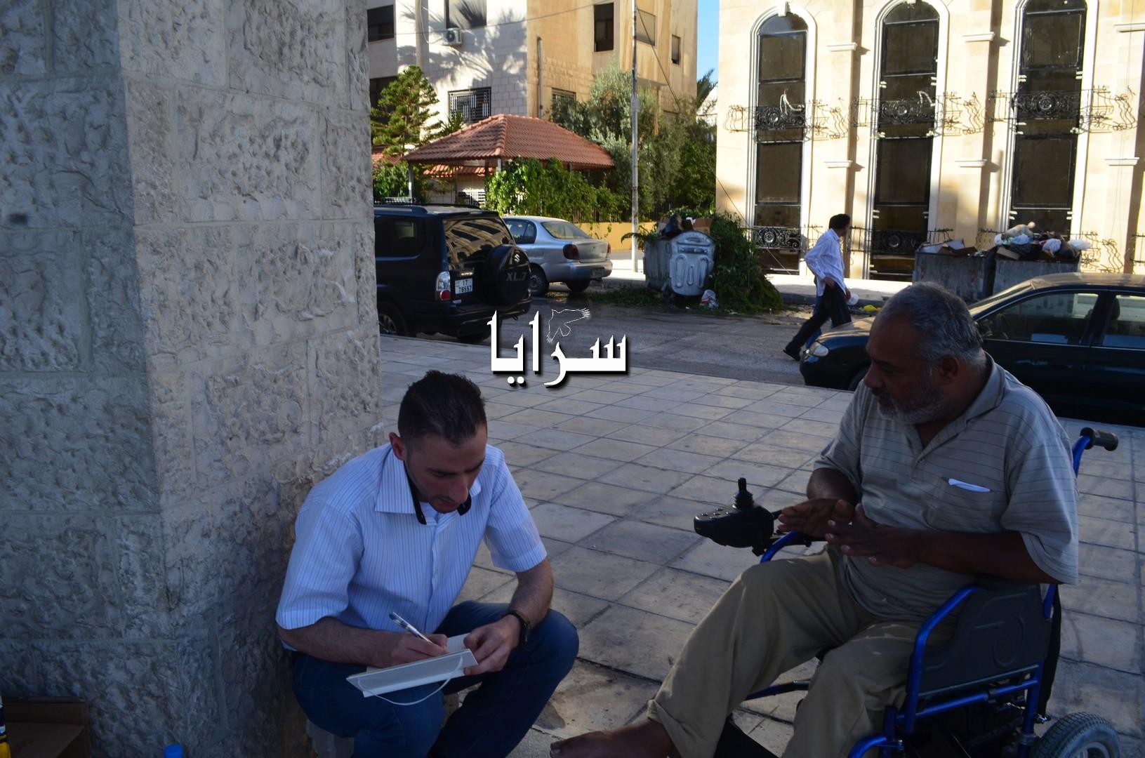 """بالصور  ..  قصة مكافح اردني تحدى اعاقته بالعمل و الاصرار  ..  اكره المفاصلة و التبخيس و أطمح بامتلاك """" كشك """""""