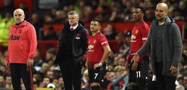 """نجم """"مانشستر يونايتد"""" ..  """"لمسة واحدة"""" بنصف مليون إسترليني!"""
