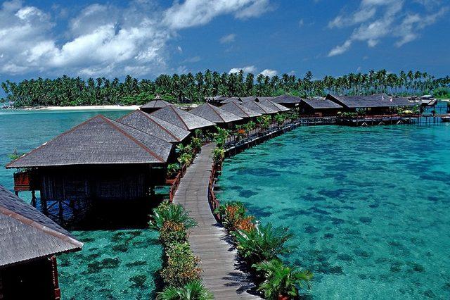 بالصور ..  أجمل جزر ماليزيا السياحية التي تستحق الزيارة
