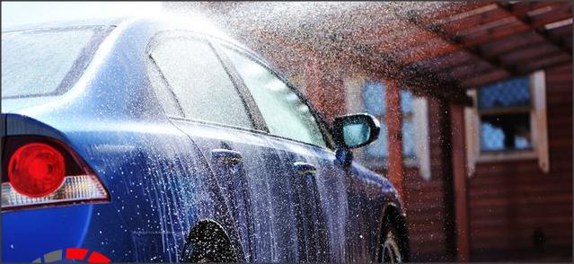 اليك ما يتاذى في السيارة عندما تغسلها