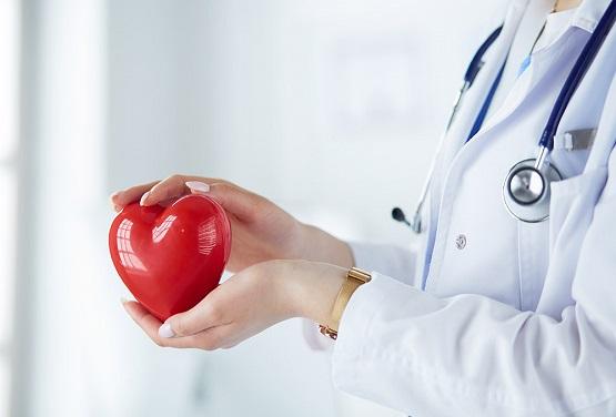 أعراض تنبئ بأمراض القلب عند النساء