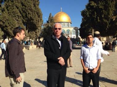 وزير إسرائيلي يقضي إجازة سياحية في البترا