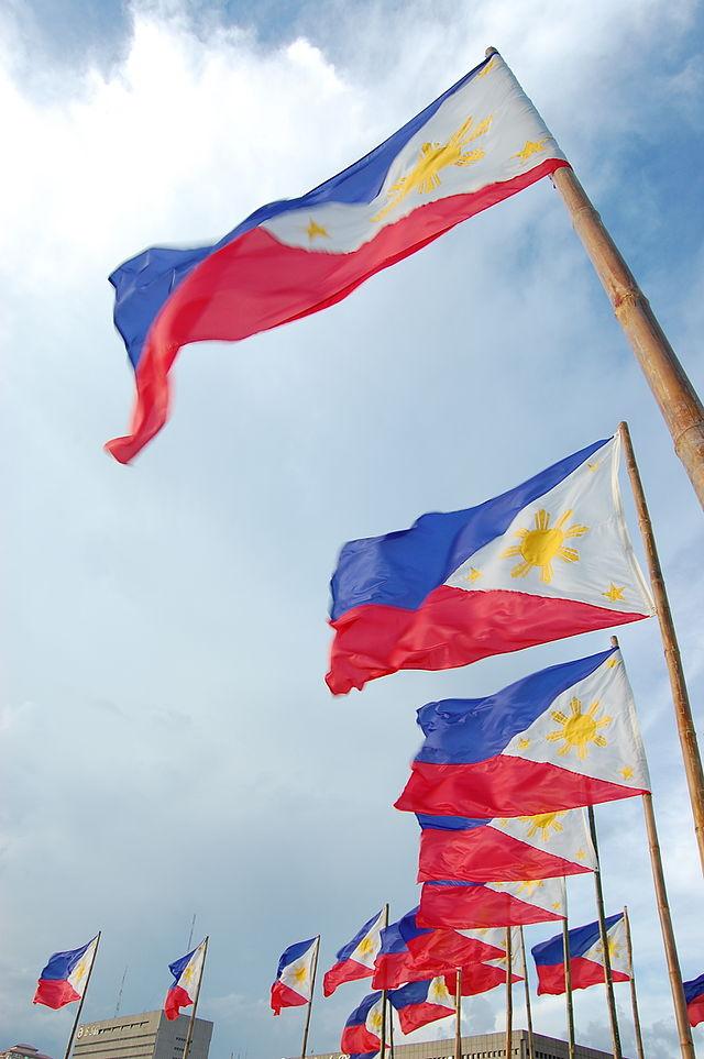 رسمياً ..  الفلبين تفرض حظراً شاملاً على إرسال عمالتها للكويت