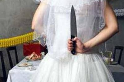 """عروس تقتل """" زوجها"""" لأنه بخيل !!"""