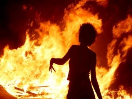 خادمة بنغالية تحرق نفسها محاولةً الانتحار في منزل مخدومها بالزرقاء