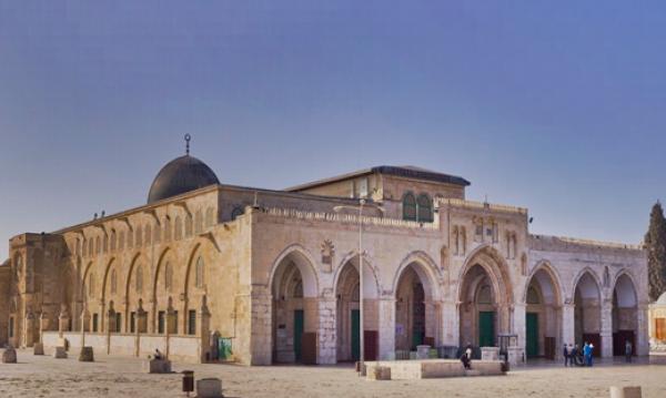 لاول مرة  ..  تلفزيون فلسطيني يبث اذان المغرب من الاقصى في رمضان