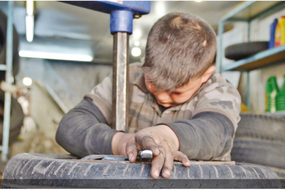 عمالة الأطفال ..  إيذاء جسدي وتحرش وتعاطي مخدرات
