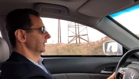بالفيديو  ..  بشار الاسد يقود سيارته بنفسه متجهاً الى الغوطة