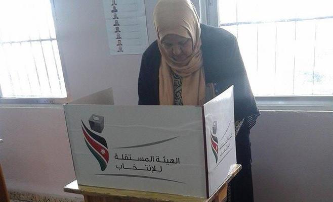 """المستقلة: لا مخالفات في """"إربد الثانية"""" ونسبة الاقتراع 20.5%"""
