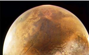 """مليادرير أميركي يريد إقامة """"مدينة"""" على المريخ"""