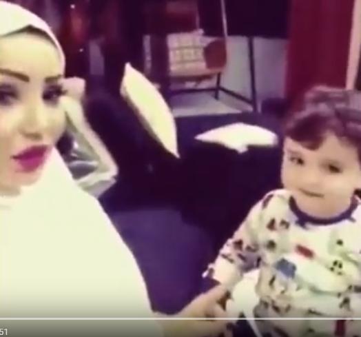 فيديو محزن جدا  ..  اخر ما نشرته الفنانة دينا هارون مع ابنها قبل وفاتها