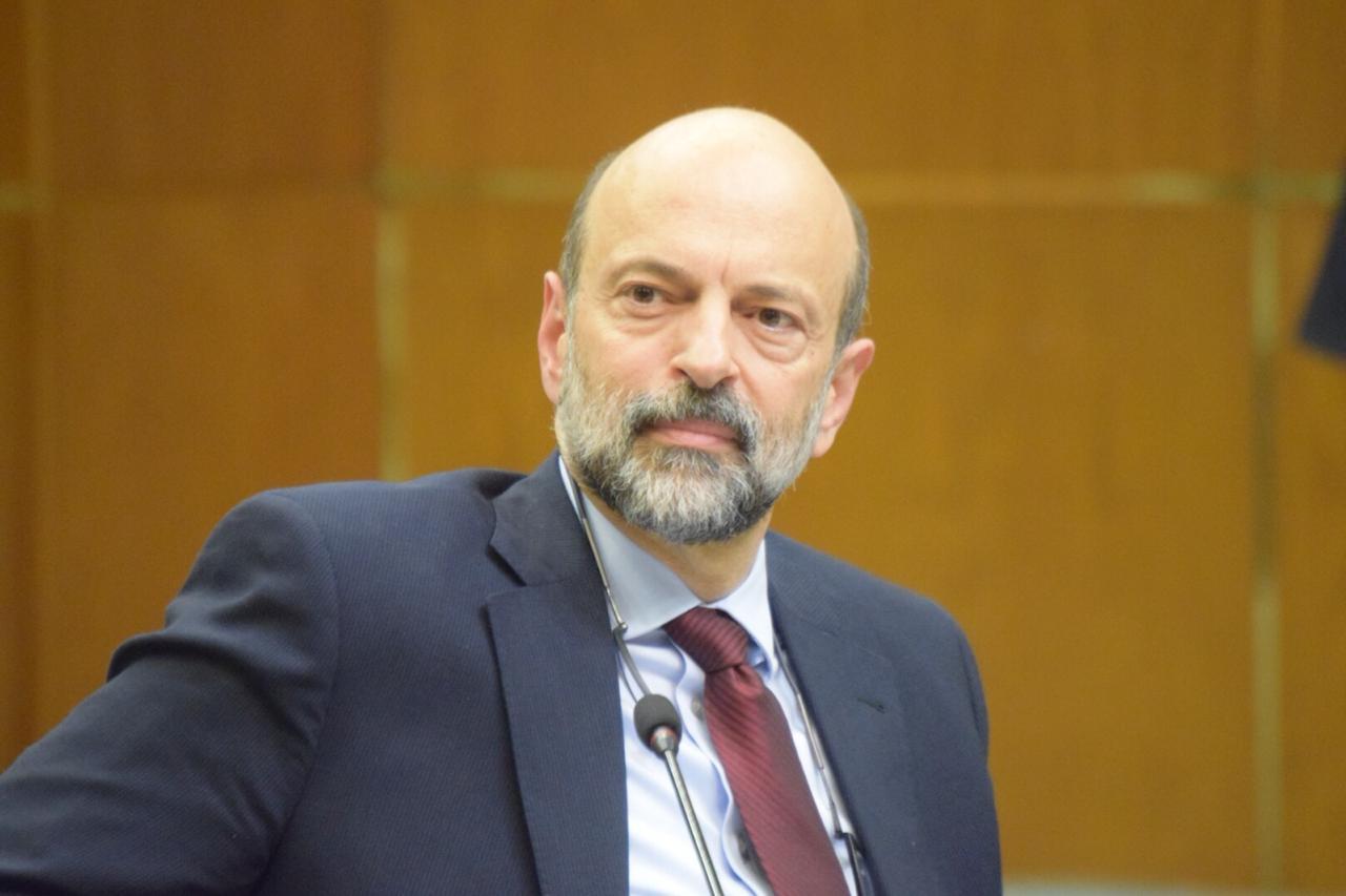 الرزاز: قدرة الأردنيين على شراء الشقق ستتحسن