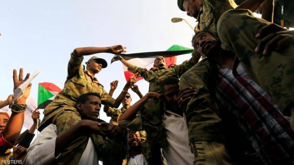 النائب العام السوداني يرفع الحصانة عن ضباط بالأمن والمخابرات