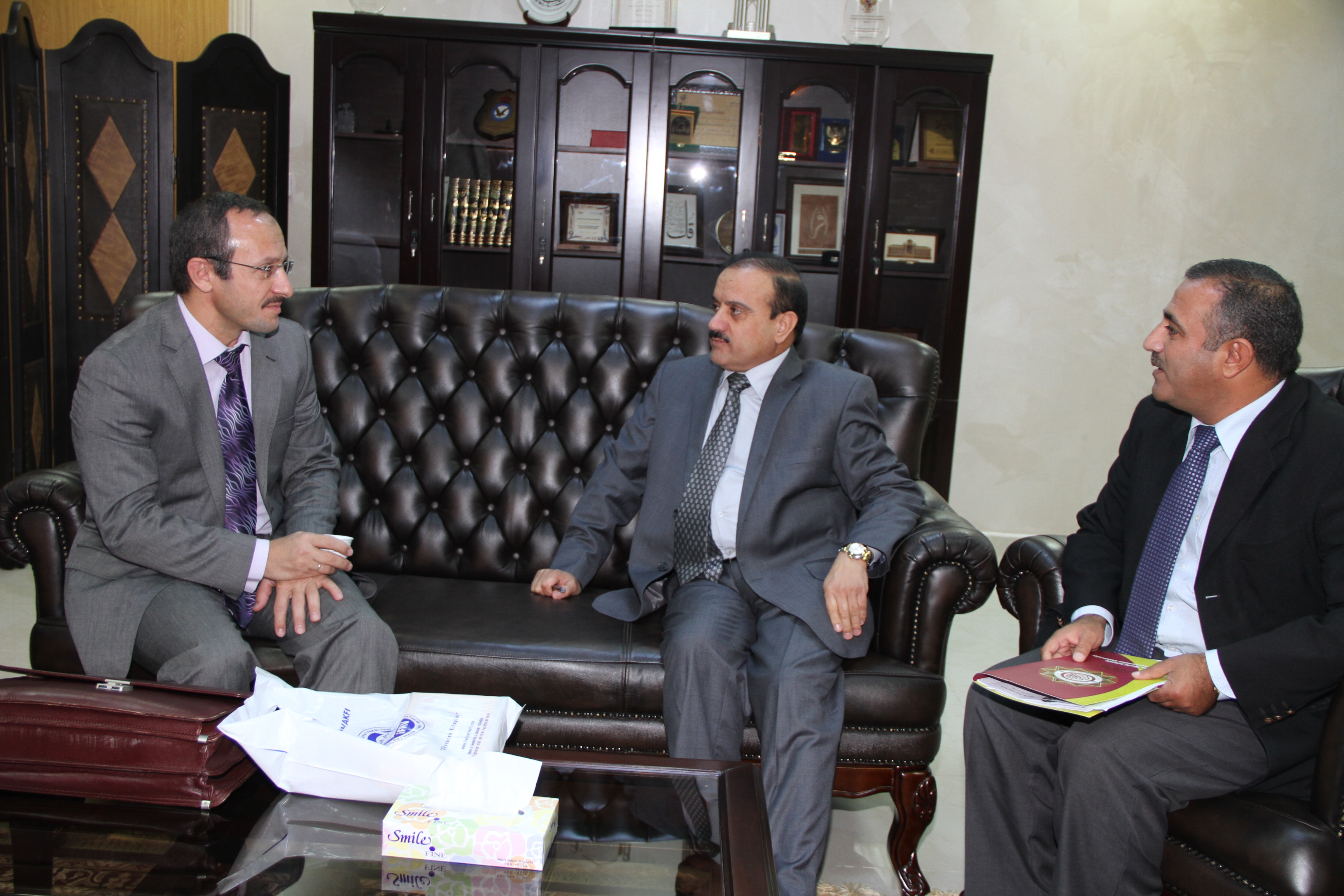 نائب عميد العلاقات الدولية والخارجية في جامعة مرمره التركية يزور جامعة العلوم الإسلامية العالمية