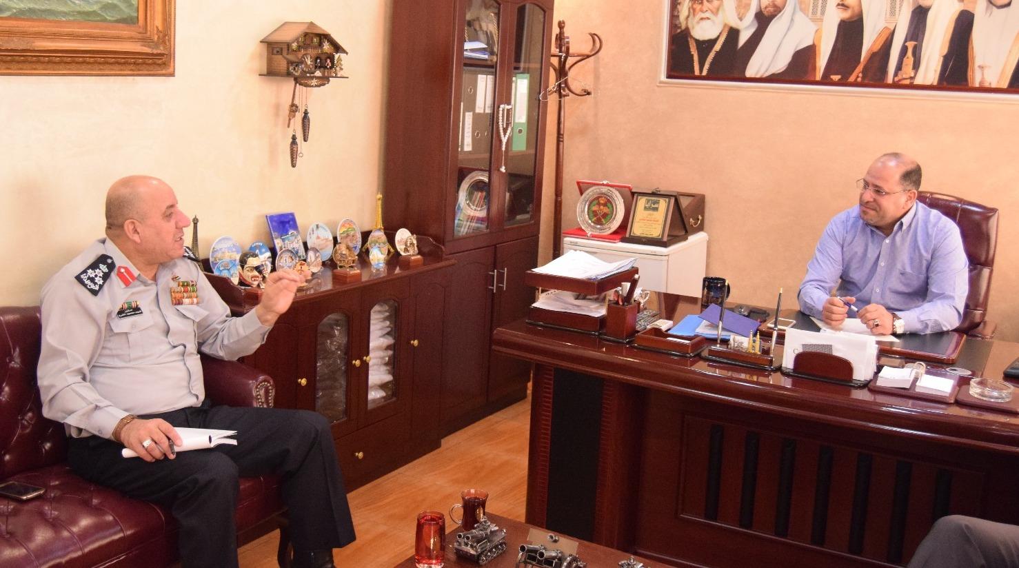 بالصور .. مدير إدارة الاعلام في الدفاع المدني العميد فريد الشرع يزور مكاتب سرايا