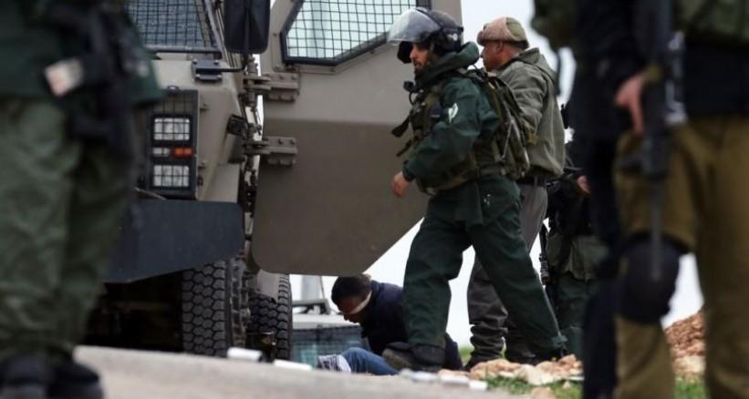 الاحتلال يعتقل 26 مواطنا بينهم فتاة وثلاثة أطفال من الضفة