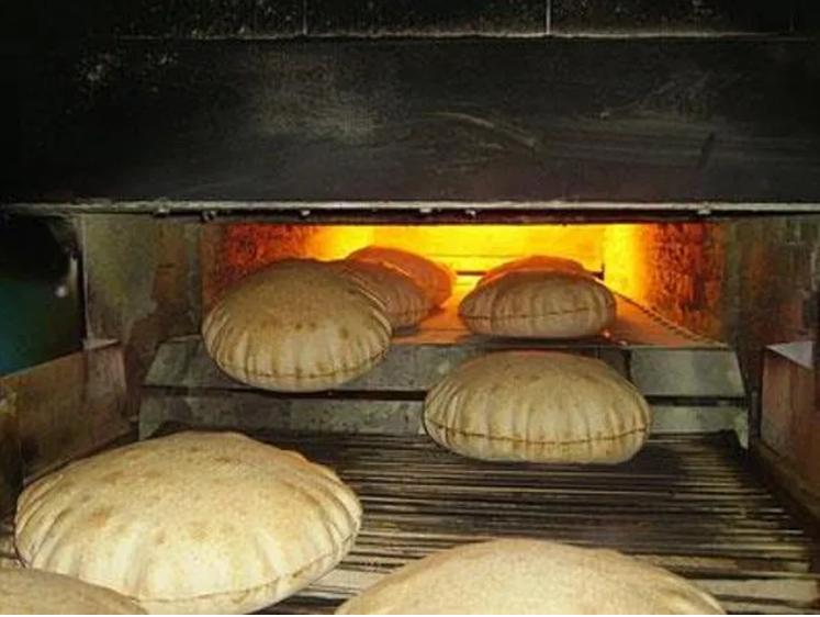 """خبراء: توجه الحكومة بنقل ملف دعم الخبز إلى """"التنمية"""" خطوة ايجابية"""