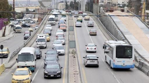 """الأمن: وسائل النقل العام تخضع لنظام """"الفردي و الزوجي"""" حتى بالمحافظات التي عدلت تعليمات الحظر فيها"""