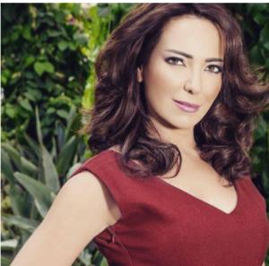 بالصور  ..  شقيقة امل عرفة وعائلتها تصاب بشظايا الهاون في دمشق