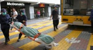 """امرأة تبقى 24 ساعة جالسة في """"ماكدونالدز"""" وهي ميتة"""
