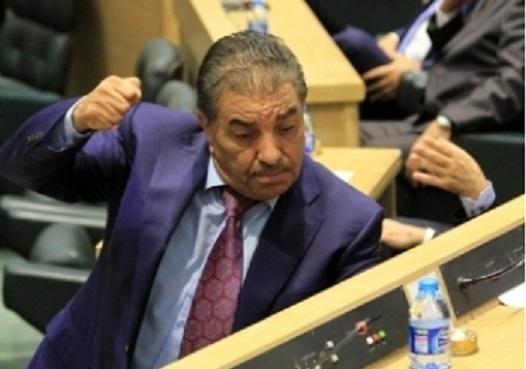 """النائب الزعبي يهدد من وصفهم بـ""""الطحالب""""، بملاحقتهم قضائيا"""