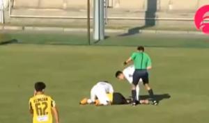 كما حصل مع إريكسن ..  لاعب في كازاخستان يسقط على أرض الملعب مغشيا عليه- (شاهد)