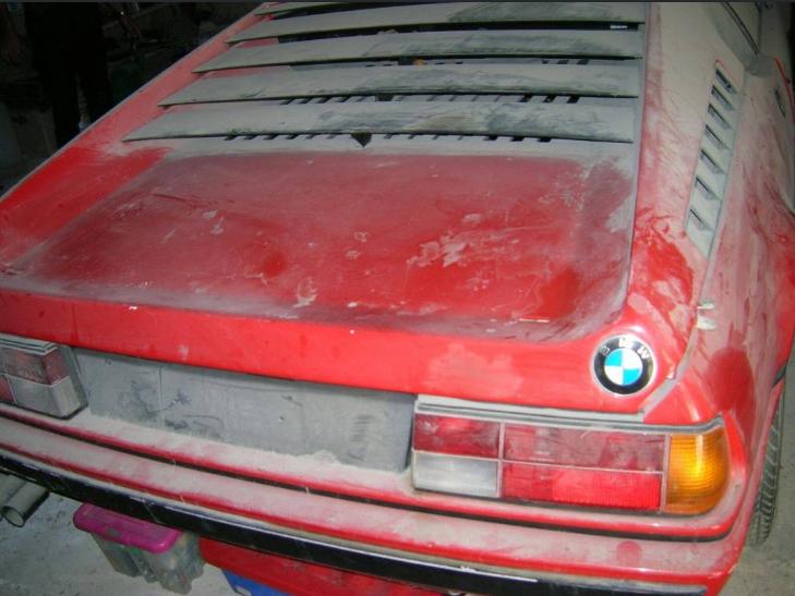 بالصور .. العثور على سيارة نادرة ل BMW ام 1 مهجورة منذ أكثر من 30 عاما