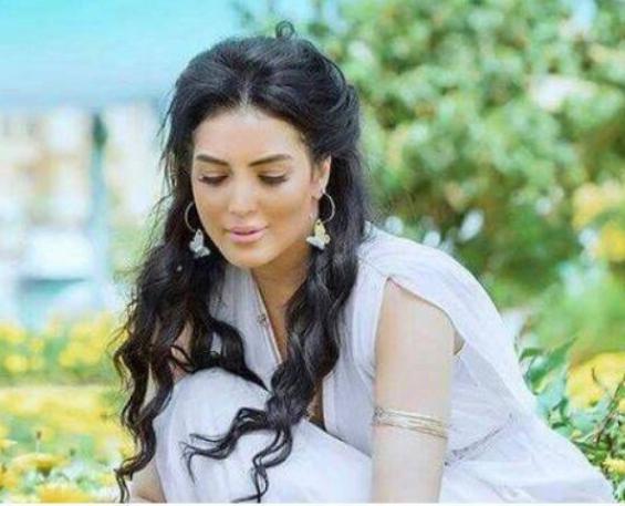 بالفيديو  ..  أول تعليق مؤثر من حورية فرغلي بعد خضوعها لجراحات دقيقة