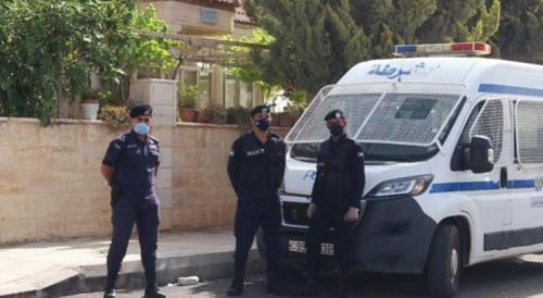 ادارة السير: ضبط 79 مخالفة للقيادة المتهورة بطيش واستهتار  و 2650 مخالفة قطع الاشارة الضوئية