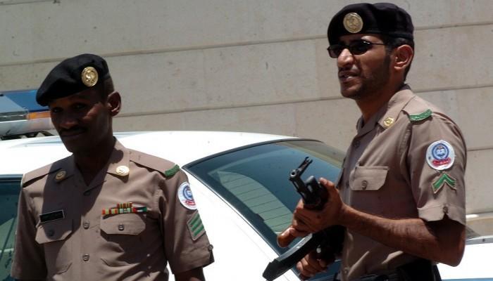 سعودي ينتحل صفة رجل أمن لسلب أموال وافدين