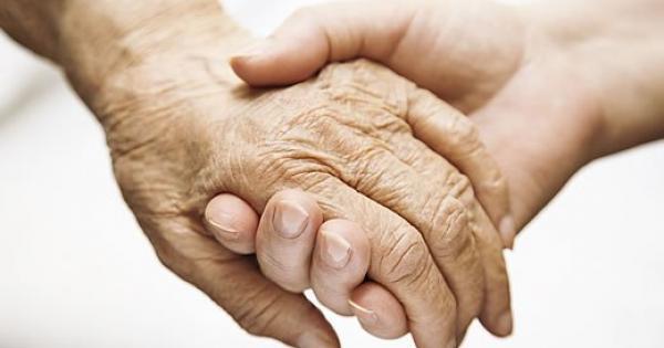 وزارة التنمية توجه انذار وتنبية لدارين للمسنين
