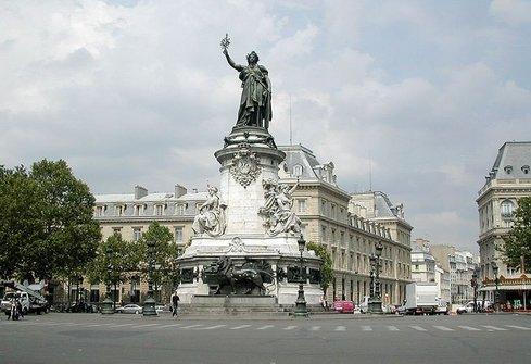 لمن يرغب في زيارة باريس Paris, معالمها, ومطاعمها, واسواقها