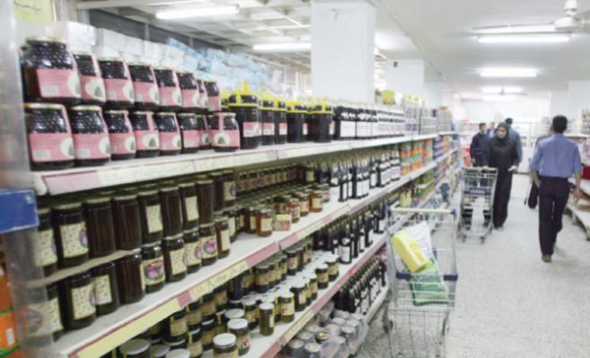 أسواق المواد الغذائية تشهد نشاطا عشية رمضان