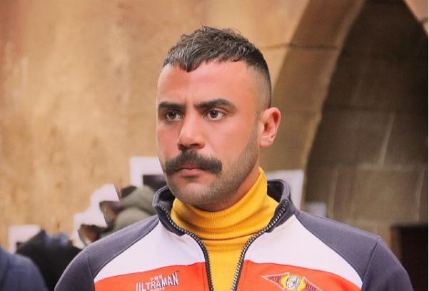 بالفيديو  ..  معجبون يمنعون محمد إمام من تصوير مشهد في مسلسله الجديد