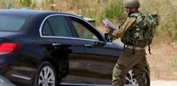 """جيش الاحتلال يزعم العثور على سيارة منفذ عملية حاجز """"زعترة"""""""