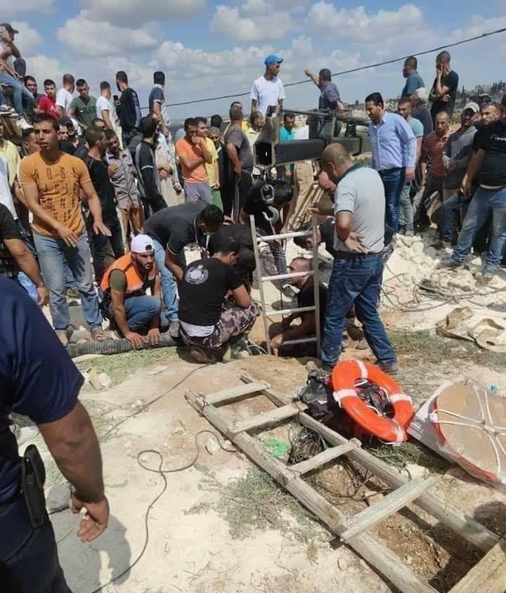 """""""حفرة امتصاصية"""" في الخليل تلتهم 6 فلسطينيين بينهم طفل  ..  تفاصيل مؤثرة و مُفجعة"""