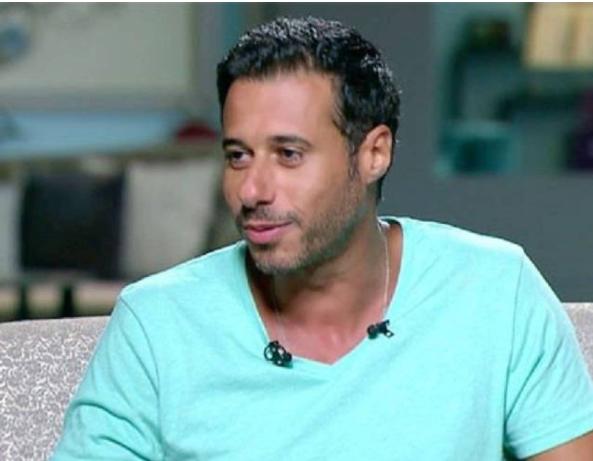 لماذا تلقى أحمد السعدني الكثير من الشتائم؟